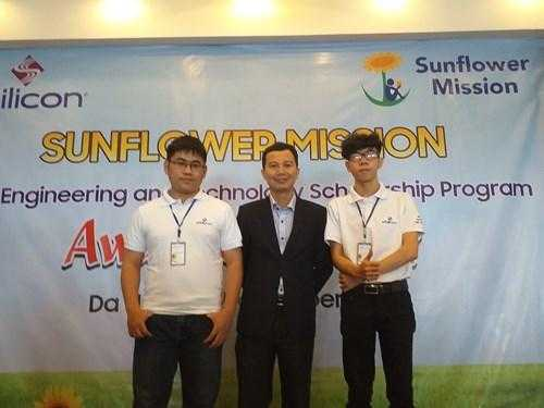 Sinh viên Đại học Duy Tân nhận Học bổng
