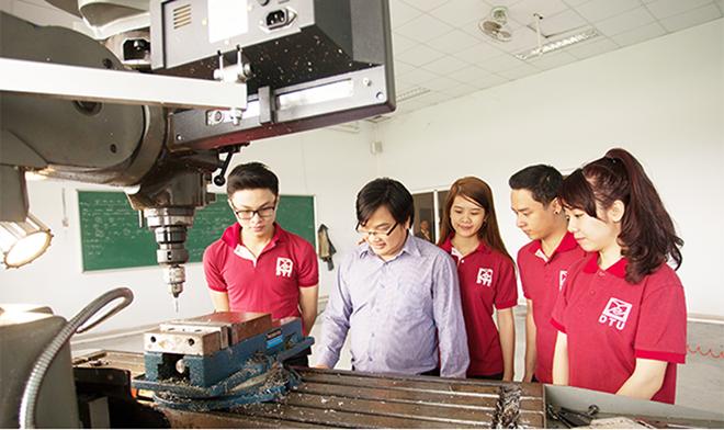 Đại học Duy Tân trang bị hệ thống phòng thực hành và thí nghiệm hiện đại để tạo điều kiện thuận lợi nhất cho việc học tập và nghiên cứu