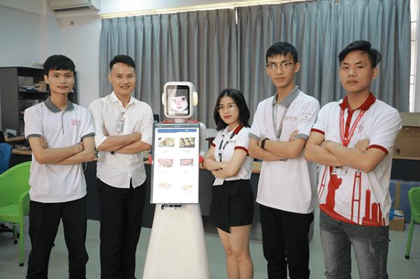 Sinh viên ngành điện điện tử - Đại học Duy Tân